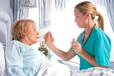 Кормление лежачих больных