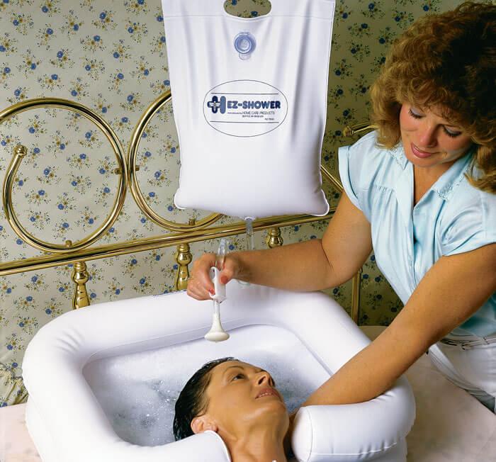 Как мыть голову лежачему больному дома одоевский интернат для престарелых и инвалидов